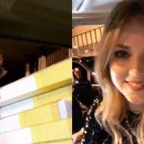 Fedez, J-Ax e Chiara Ferragni portano le pizze ai fan che dormono fuori dai cancelli di San Siro