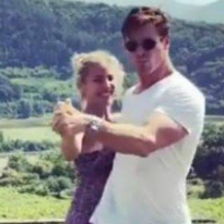 Chris Hemsworth, lezione di ballo alla moglie