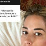 """""""Fammi una domanda"""": le risposte dei famosi alle prese col nuovo adesivo di Instagram"""