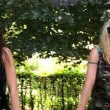 Michelle Hunziker e la figlia Aurora alle prese con la floss dance… ma è un mezzo disastro