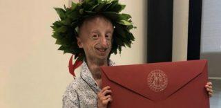 Sammy Basso si laurea in Scienze con 110 e lode