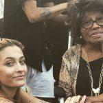 Paris Jackson canta e ha una band, al suo concerto anche nonna Katherine
