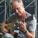 "Napoli, Sting intona ""O sole mio"" sulle note di ""Every Breath You Take"""