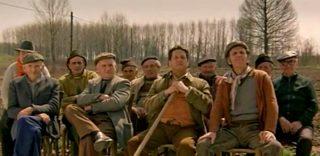 Pozzetto torna ragazzo di campagna: in 400 a Pavia per il remake della scena del treno