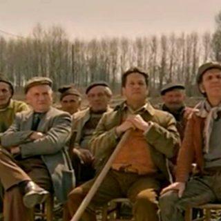 Pozzetto torna in campagna: il remake della scena del treno