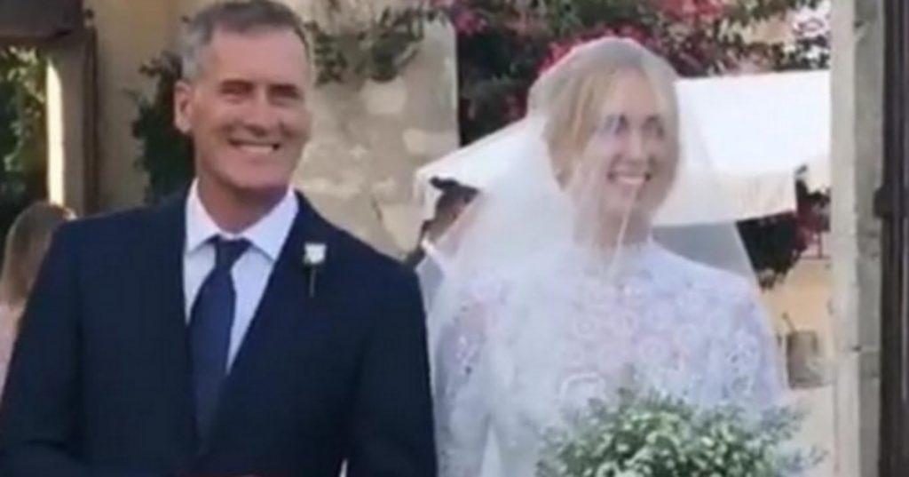Matrimonio In Diretta Ferragnez : Ferragnez l abito di chiara il video radio deejay