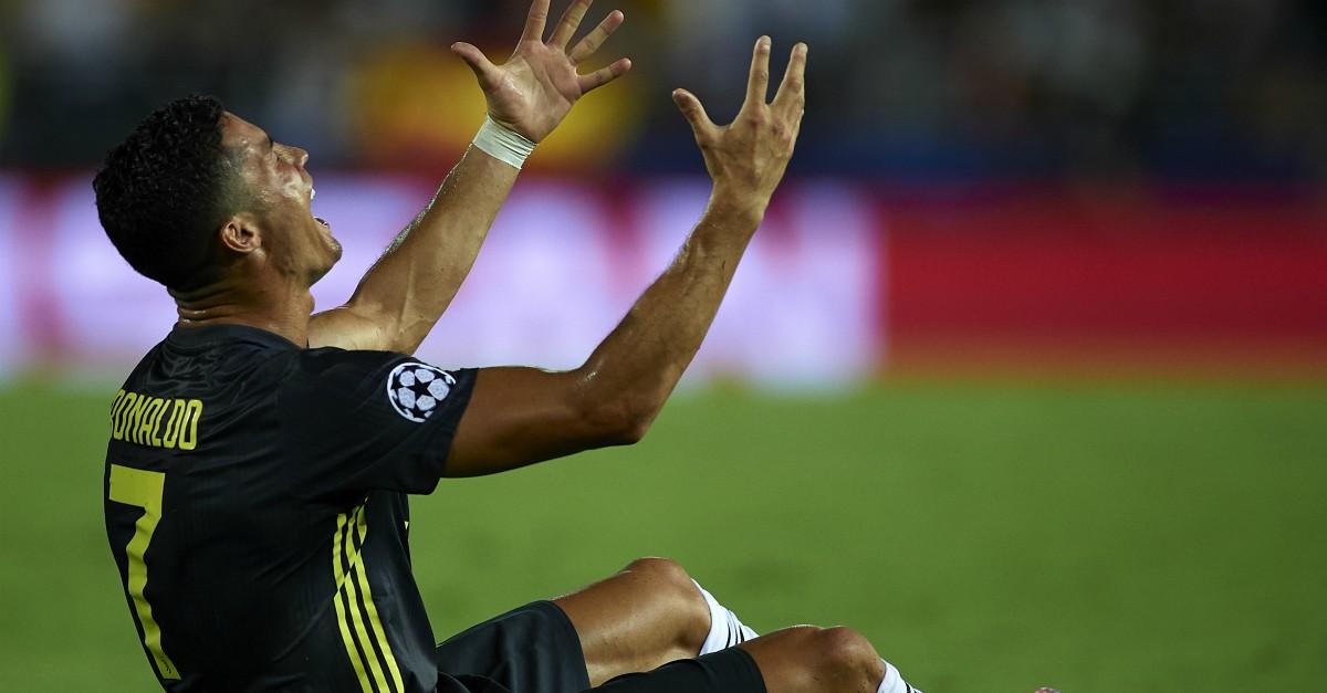 Champions League: Cristiano Ronaldo in lacrime per l'espulsione