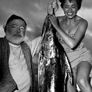 Inge Feltrinelli ed Ernest Hemingway: storia di uno scatto