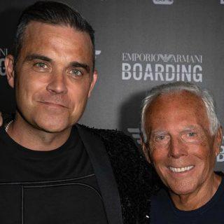 Robbie Williams, lo show per la sfilata di Armani