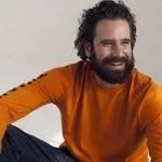 """Tommaso Paradiso canta in bagno """"New York"""", il nuovo singolo dei Thegiornalisti"""