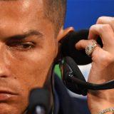 Ronaldo sfoggia il suo nuovo orologio, un pezzo unico con più di 200 diamanti