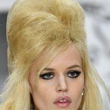 Ascolta Tornano di moda i capelli maxivolume