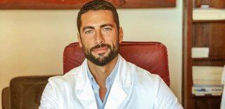 Giovanni Angiolini, il dottore più bello d'Italia è una star tv e social