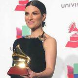 """Laura Pausini vince ai Latin Grammy con l'album """"Fatti sentire"""""""