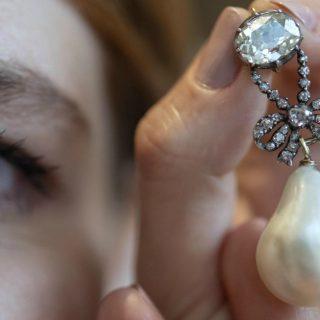 Asta record per i gioielli della regina Maria Antonietta