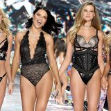 New York, la sfilata di Victoria's Secret: le foto e il backstage