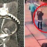 Proposta di matrimonio in Times Square, l'anello cade in un tombino. Ma interviene la polizia di NYC
