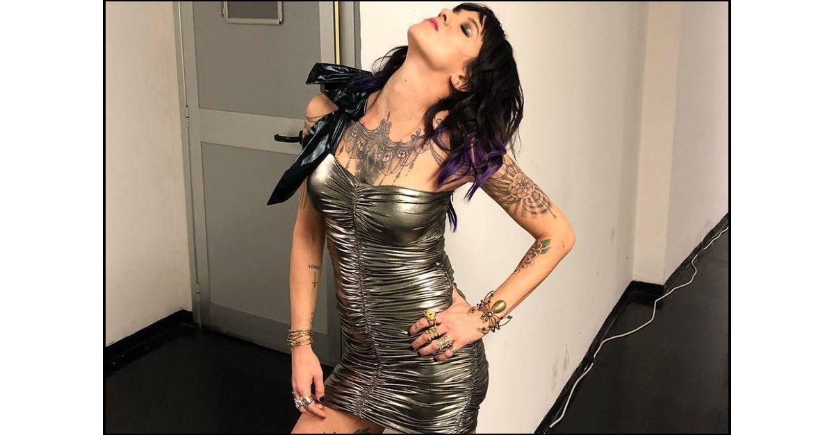 """Asia Argento risponde ai versi di Salmo: la """"proposta indecente"""" al concerto"""