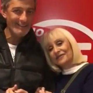 """Raffaella Carrà da Fiorello canta """"Feliz Navidad"""" reggaeton"""