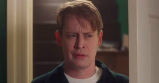 """""""Mamma ho perso l'aereo"""": Macaulay Culkin torna nei panni di Kevin per uno spot"""