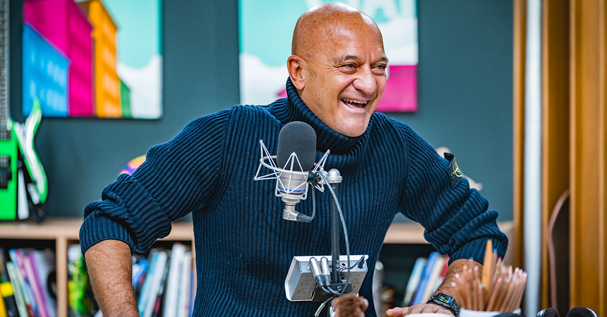 """Claudio Bisio, da """"Italia's Got Talent"""" al Festival di Sanremo: l'intervista a Deejay chiama Italia"""