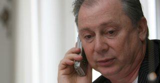 Lele Mora derubato di 40 mila euro in un campo rom: doveva acquistare champagne