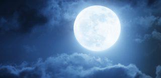 Il plenilunio del 19 febbraio: arriva la Superluna, la più grande e luminosa dell'anno