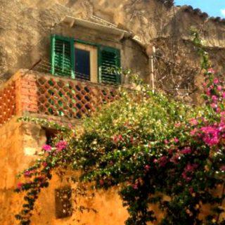 50 case in vendita a 1€ in uno dei borghi più belli d'Italia