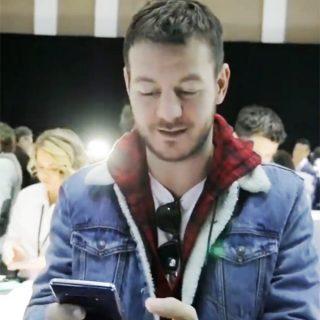 Come funziona il telefono pieghevole di Samsung