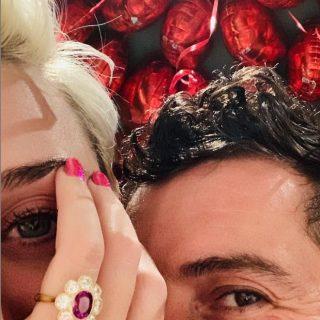 Katy Perry e Orlando Bloom si sposano: ecco l'anello