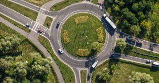 """""""No all'obbligo di rotonde, sì alla libertà di scelta"""". Le proposte per il nuovo codice della strada"""