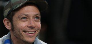 Buon Compleanno Valentino Rossi: gli auguri di Albertino