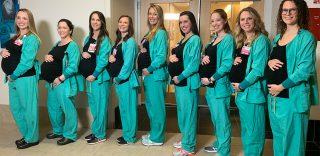 2 Nove infermiere dello stesso reparto incinte in contemporanea  è baby  boom all ospedale di c82e9a275e1