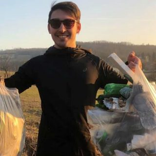 Emanuele: in cammino per pulire le strade dalla plastica
