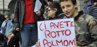 25 cartelli ironici e pungenti esposti dai ragazzi allo sciopero per il clima