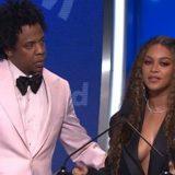 """Beyoncé commossa: """"Dedico questo premio a mio zio Johnny, morto di HIV"""""""