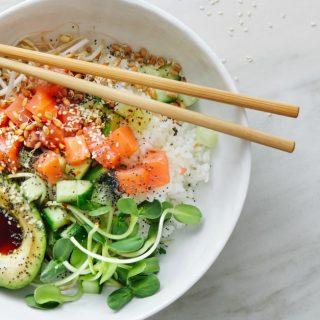 Il sushi è superato, il nuovo food trend è il poke