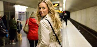 Torino, gioco di sguardi in metro: l'appello di lui per ritrovare la ragazza dai capelli biondi