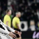 """Champions, la """"remuntada"""" della Juve: Ronaldo replica il gestaccio di Simeone"""