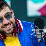 """Coez presenta il nuovo album """"È Sempre Bello"""" a Radio DEEJAY: """"Non sono un depressone"""""""