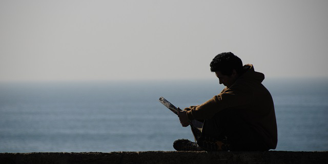 08 lettore tramonto