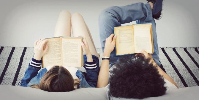 Risultati immagini per I vantaggi nel leggere più libri contemporaneamente