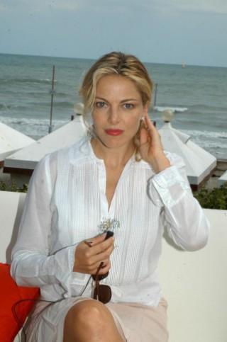 Auguri a Claudia Gerini, i suoi primi quarant'anni