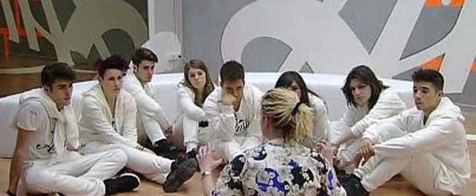 Amici12 prima sfida del serale tra Chiara e Verdiana, Emma tranquillizza i Bianchi