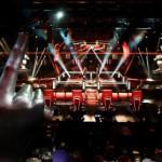 """The Voice, la terza serata dei """"Duelli"""" e gli abbracci della Carrà"""