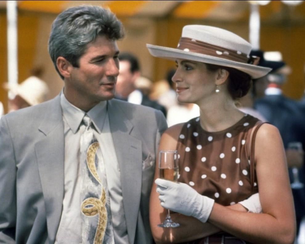 Pretty Woman è un film-culto del 1990 in cui Gere interpreta un miliardario che si innamora di una prostituta (Julia Roberts)