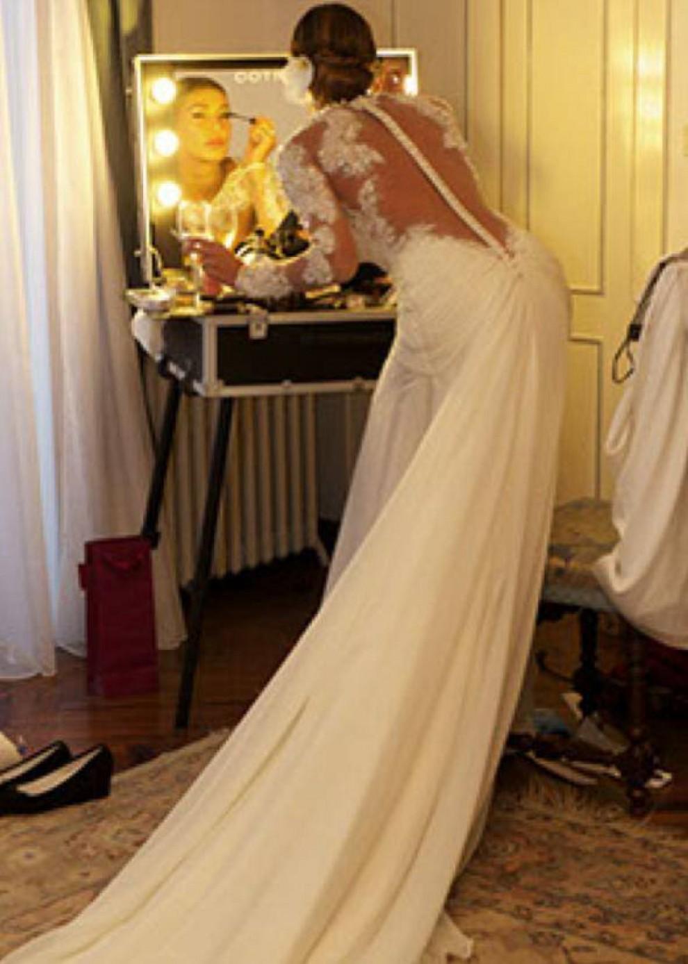 design senza tempo 63e4b 9083c Belen Rodriguez, Tapiro d'oro per il vestito da sposa – Tvzap