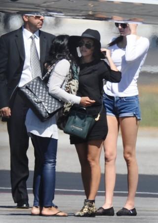 Le sorelle Kardashian alla riscossa, manca però la neo mamma Kim