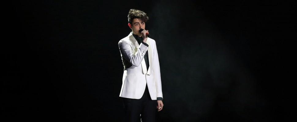 X Factor 7: vince Michele, all'ultimo respiro sugli Ape Escape