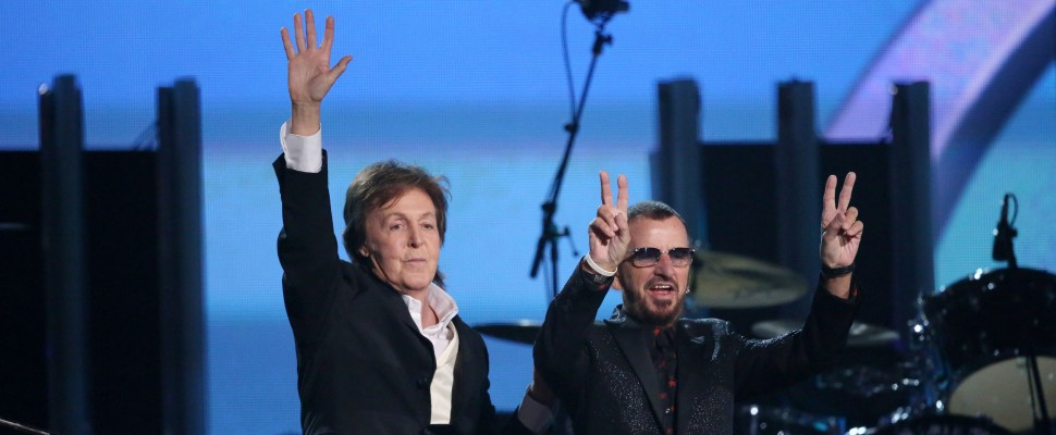 Grammy Awards, sul palco i Beatles con Paul McCartney e Ringo Starr